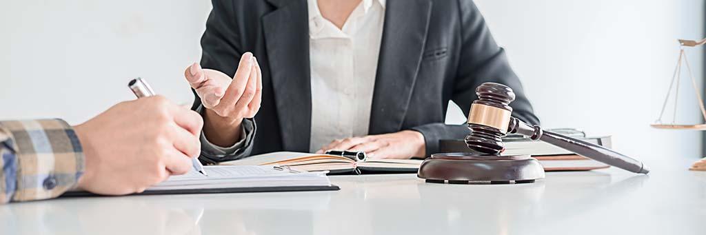 Beratung durch einen Anwalt zum Aussageverweigerungsrecht